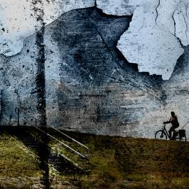 Fietsster tegen de wind, kunstwerk Wim Noordam